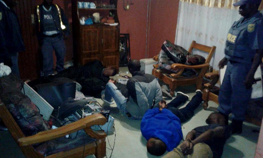 Die vier verdagtes wat Saterdag gearresteer is ná 'n kaping in Tembisa, Johannesburg.]