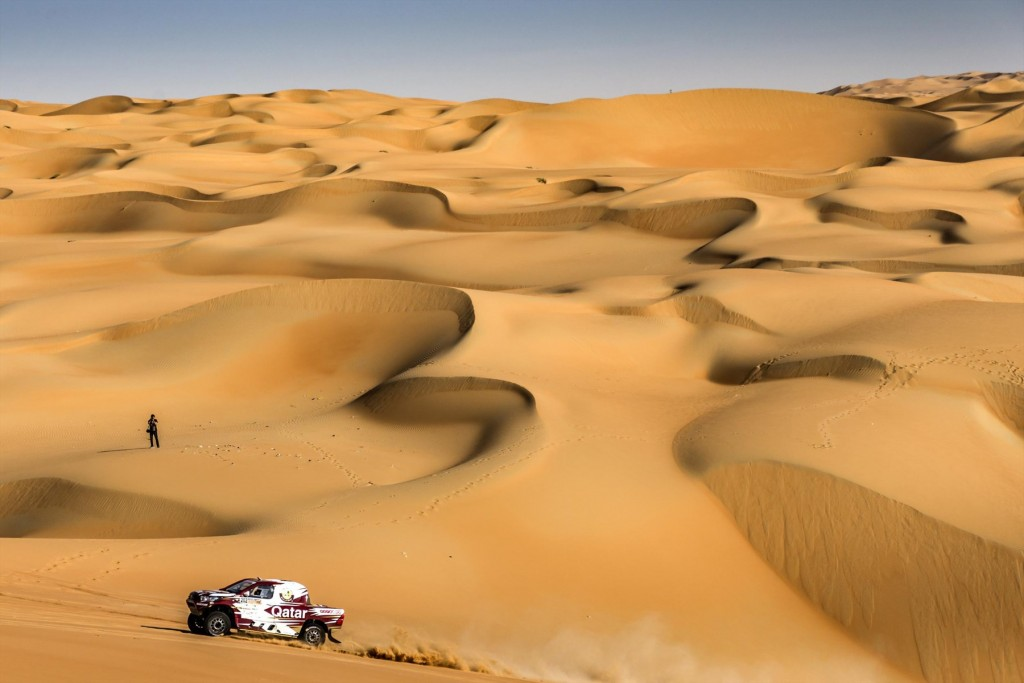 nasser-saleh-al-attiyah-crosses-the-wilderness-in-his-overdrive-toyota_1800x1800