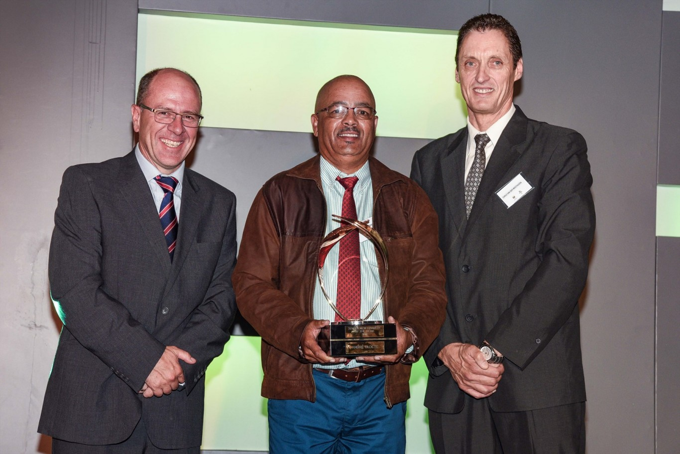 new-harvest-of-the-year-winner-andre-cloete-with-from-left-casper-kruger-vp-of-vehicle-sales-and-dealer-network-for-toyota-sa-and-prof-carlu-van-der-westhuizen_1800x1800